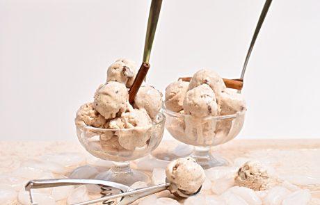 גלידת קינמון ופקאן סיני חלבית וגם בגרסה טבעונית