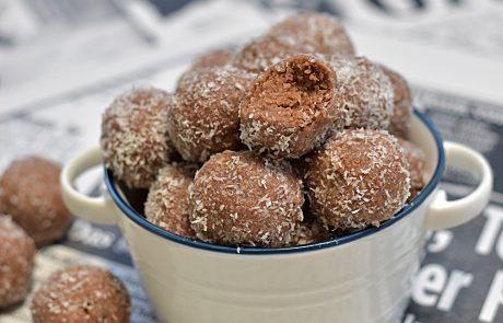 כדורי שוקולד משלושה מרכיבים