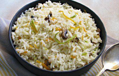 אורז עם ירקות בתיבול שום