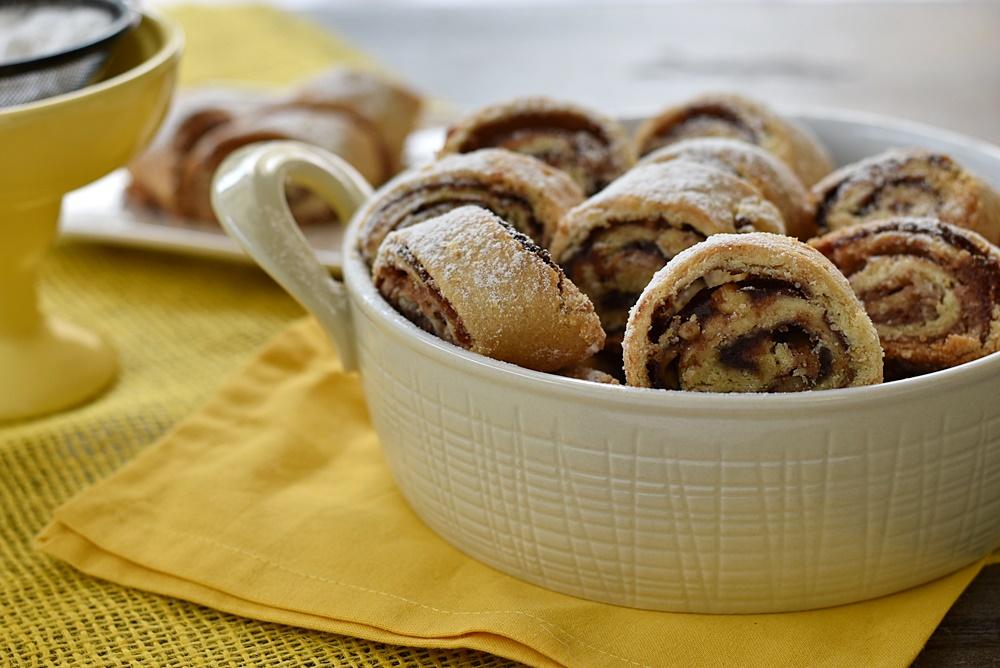 עוגיות טבעוניות במילוי תמרים