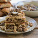 בורקס כבד עוף, חזה עוף ופטריות ברוטב