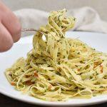 פסטה ברוטב שמן זית, שום וצ'ילי - אליו א אוליו (מנה מושלמת ב -10 דקות)