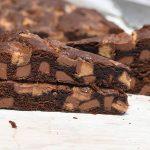 עוגת שוקולד צ'יפס וחטיף ריזס (חמאת בוטנים)