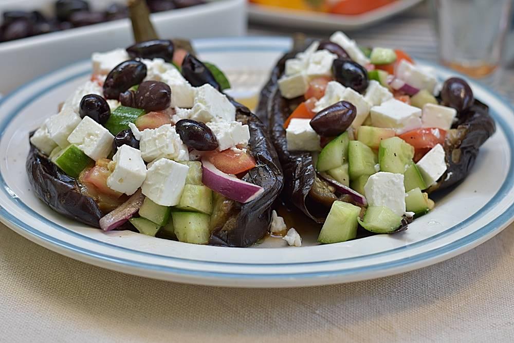 ארוחה יוונית ביתית מושלמת