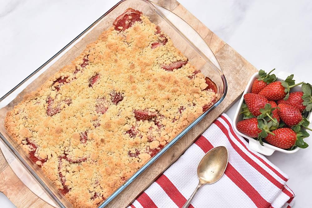 עוגת תותים ושטרוייזל