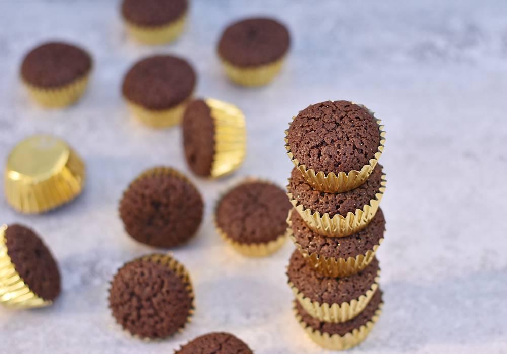 קאפקייקס שוקולד וקצפת