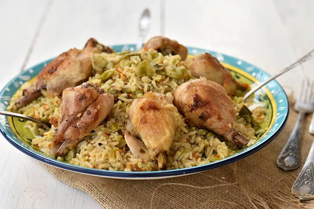 עוף עם אורז ופולים בתנור