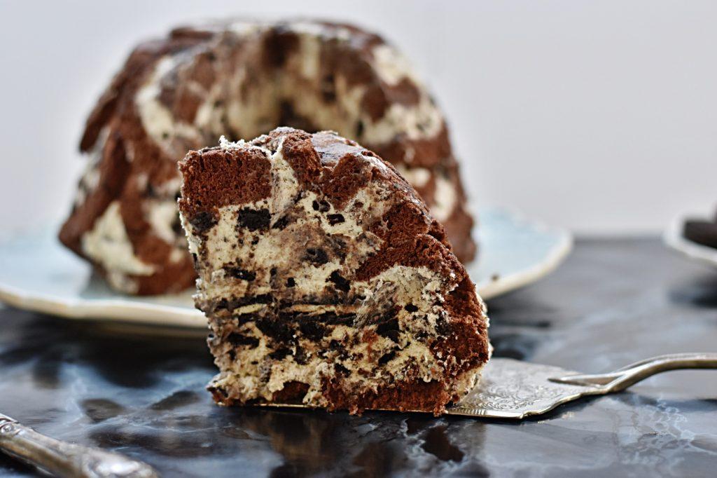 עוגת בומב אוראו ויומולדת שמח לחורצ'ק