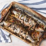 דגים בתנור - בר ים אפוי בתנור