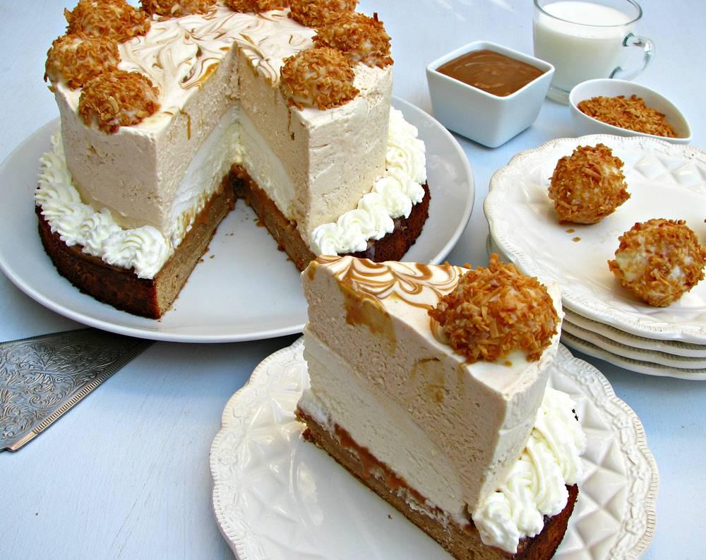 עוגת מוס ריבת חלב ומוס קוקוס