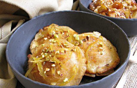 לביבות עטייף ממולאות גבינה ותפוחים