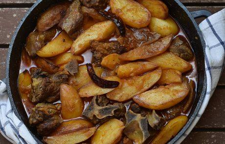 בשר ותפוחי אדמה בלימון כבוש