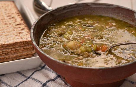 מרק ירקות לפסח – עם פולים
