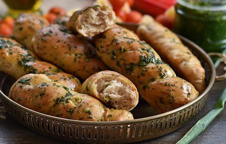 לחמניות גבינה ובצל ירוק מקמח כוסמין