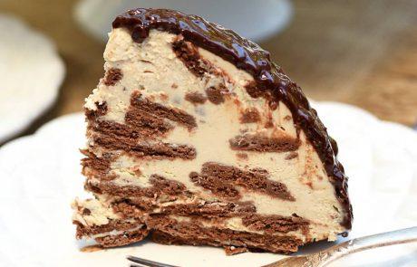 עוגת גבינה וביסקוויטים שוקולד בקרם קפה