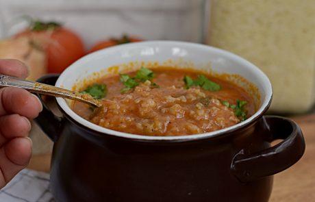 מרק עגבניות ואורז שחייבים להכין