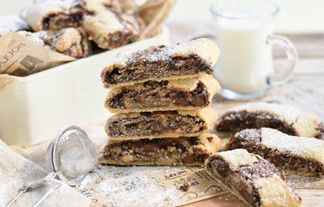 עוגיות אגוזי לוז במילוי נוטלה, שוקולד חלב ואגוזי לוז