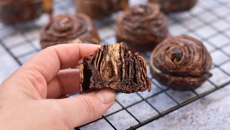 רוגלך שוקולד ונוטלה בצורת שבלולים
