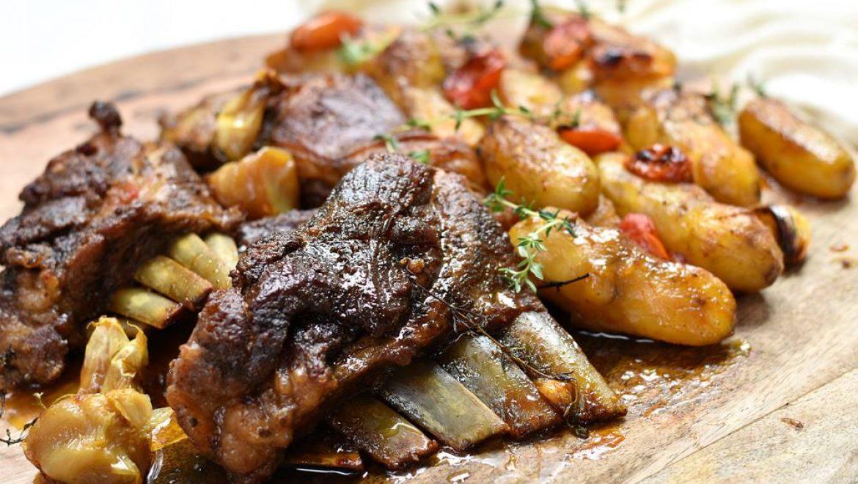 אסאדו טלה בתנור בתוספת תפוחי אדמה ירושלמיים