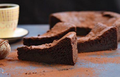 עוגת שוקולד עסיסית במיוחד