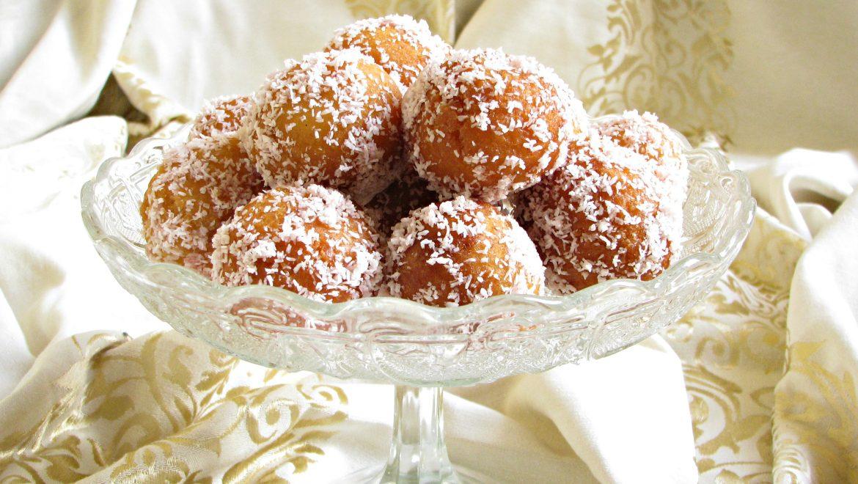 עוגיות יויו מדובשות ממולאות בקוקוס